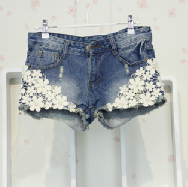 Crocheted Lace Denim Short ( 111)