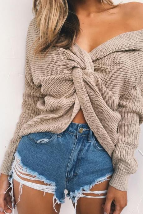 Two kinds of wear 2017 women's autumn and winter new V-neck exposed back sweater long-sleeved sexy long-sleeved knitted sweater