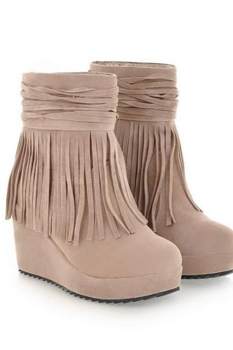 Fringed Winter Round Toe Wedge Heel Beige Boots
