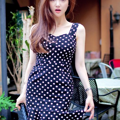 Black and white wave packet buttock fishtail cultivate one's morality dress