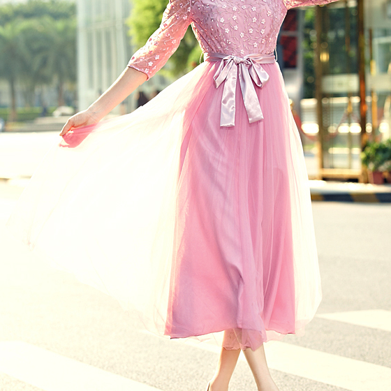 Net yarn embroidery dress