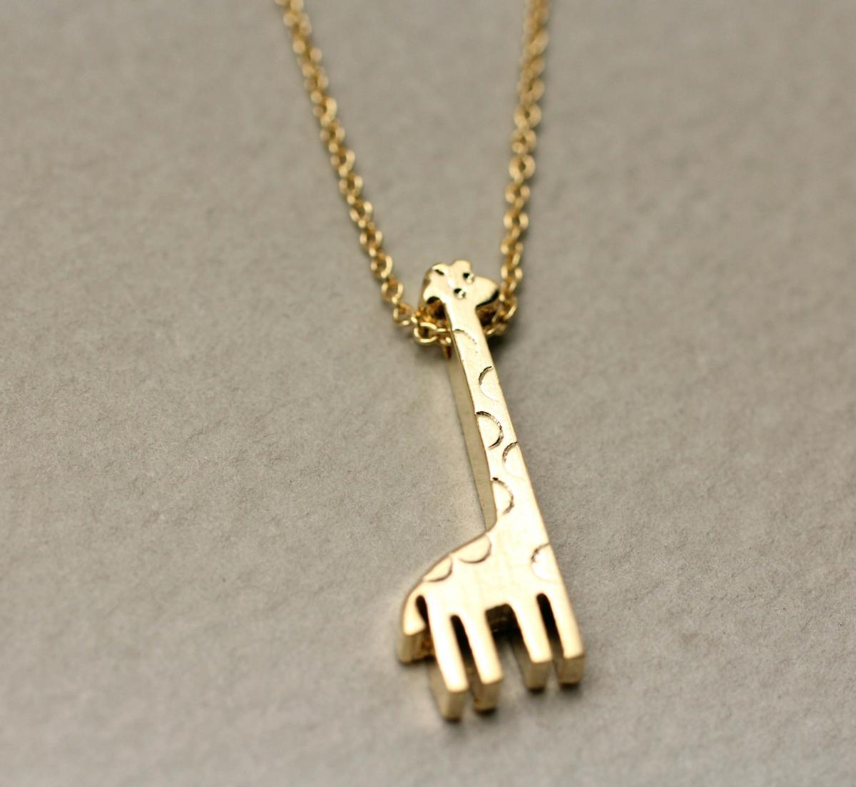 giraffe charm pendant necklace in gold on luulla